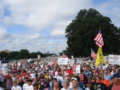 9-12 Massive Crowd in the mall